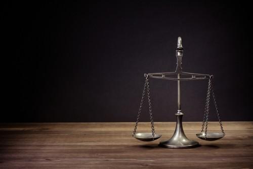 弁護士法律