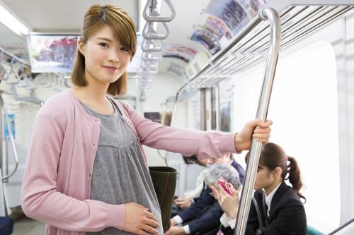 親子電車     Ushico / PIXTA(ピクスタ)