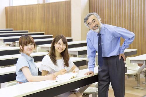 学校大学授業NORIYUKI / PIXTA(ピクスタ)