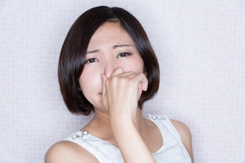 KEI / PIXTA(ピクスタ)女性おならオナラ臭い
